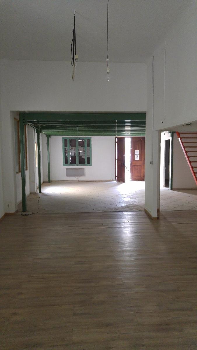 Location Immobilier Professionnel Entrepôt Draguignan (83300)